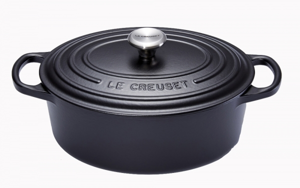 cocotte le creuset ovale noir mat cocotte en fonte cuisin 39 store. Black Bedroom Furniture Sets. Home Design Ideas